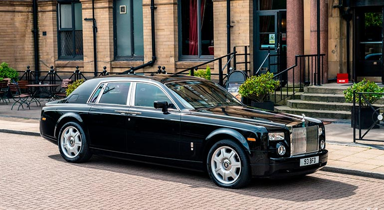 автомобиль F класса Rolls-Royce Phantom
